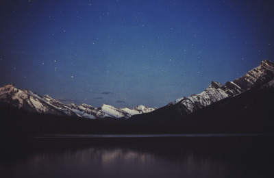 heybialowas:  Welcome, Night  Stunning.
