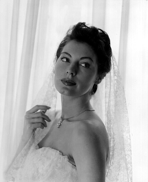 avaritagrace:  11/100 photos of Ava Gardner