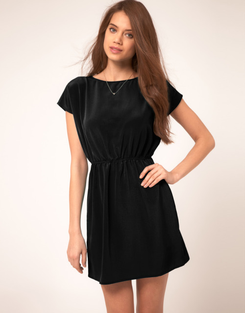 ASOS Mini Skater Dress With Keyhole BackMore photos & another fashion brands: bit.ly/JgPXRU
