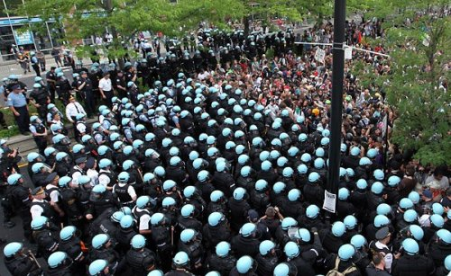 thepeoplesrecord:  This is what a police state looks like:  Chicago, earlier today.