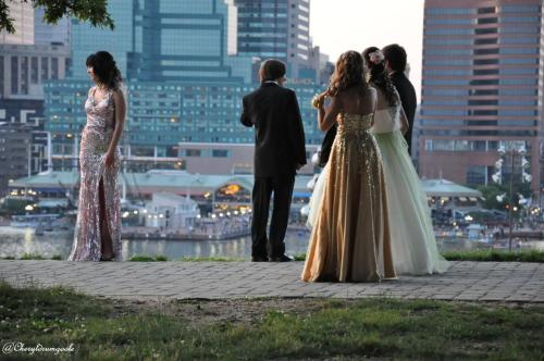 sweetscrapbook:  Seen these beautiful prom dates on Federal Hill ^_^