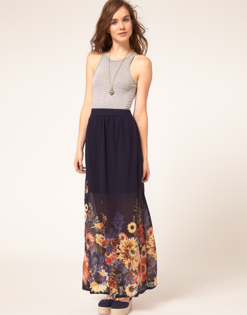 A Wear Maxi Skirt With Border PrintMore photos & another fashion brands: bit.ly/JgPpLV