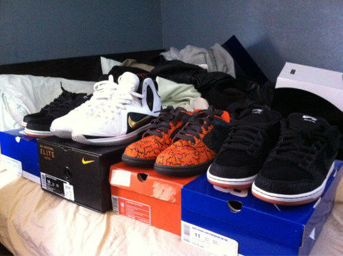 One more photo for the day…. 4 pairs for the month of may. Most likely done til mid June!  2 entourages 1 hufquakes 1 lebron 9 elite home
