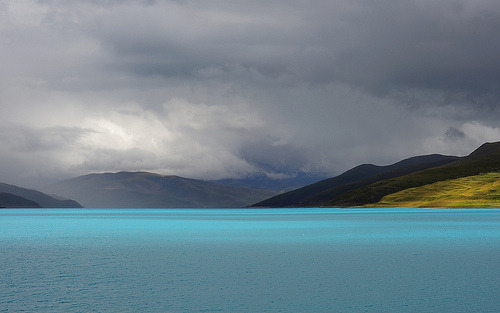 Yamdrok Yutso the Turquoise colored Lake . Tibet (by reurinkjan)