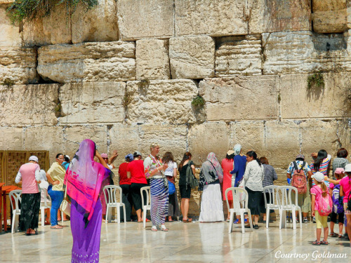 Women Praying at the Western Wall (Women's Section) by lhg_11 on Flickr.