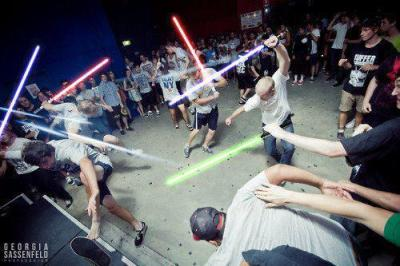 c4rrion:   MAY THE MOSH BE WITH YOU  best thing ever