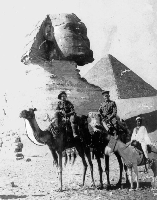 "picturesofwar:  ""Australian soldiers on camels in front of the Sphinx. Egypt, 1915."" (State Library of Queensland)"