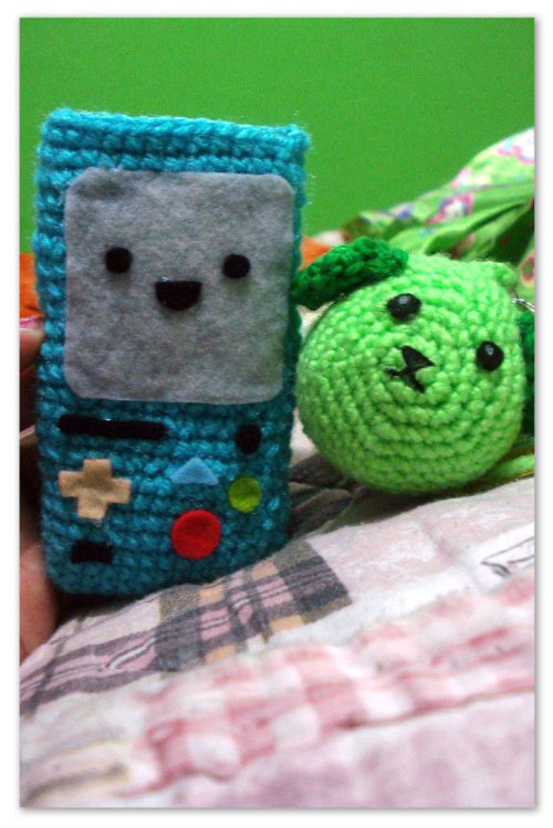 icecreamtomypudding:  Beemo & Edamame took a picture :3