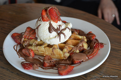 diet-killers:  Coco Cubano - Revolution Waffle (by tina-huynh)