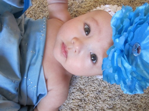 weloveaznbabies:  She doesn't look very Asian but her daddy is Laotian ;)