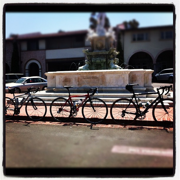 #crisp and #clean pic of our bikes at the Malaga Cove Plaza fountain enjoying some sun and ready to ride! #neuvation #specialized #trek #roadie #roadbike #day #fountain #bikeporn #bicycle #cyclexlovexclothing #groupride #weekendwarrior #igerscycling  (Taken with instagram)