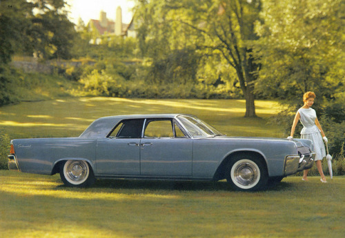 chromjuwelen:  1961 Lincoln Continental 4 Door Sedan  by coconv on Flickr. 1961 Lincoln Continental 4 Door Sedan