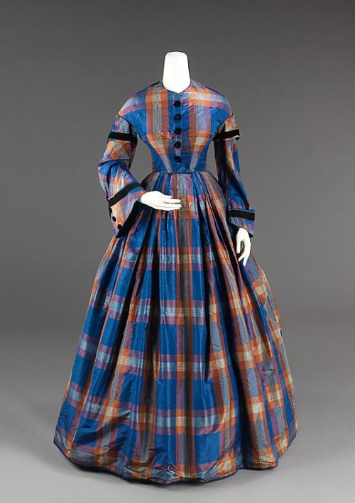 omgthatdress:  Afternoon Dress 1855 The Metropolitan Museum of Art  Dickens Fair, here we come…  ;o)