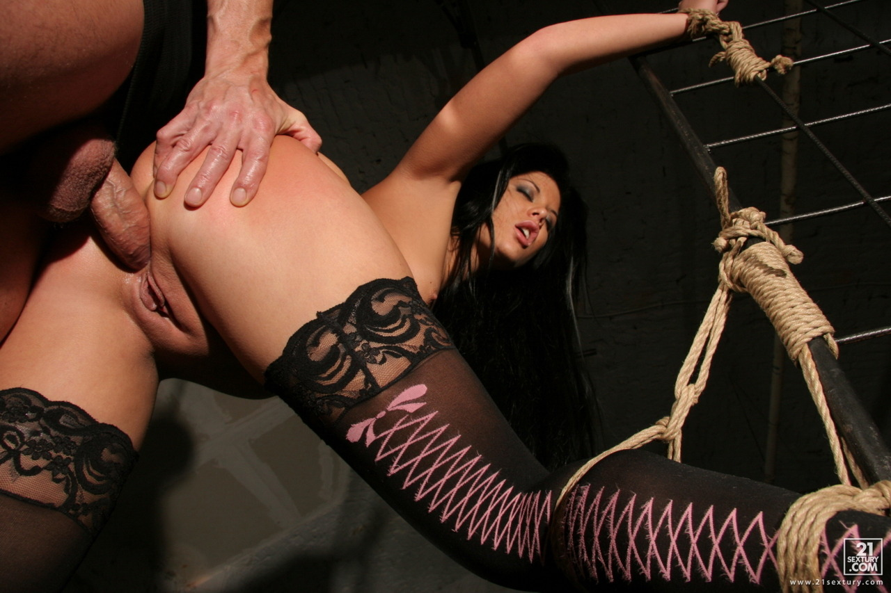 kindlybeatingher:  I love the way that slut is tied