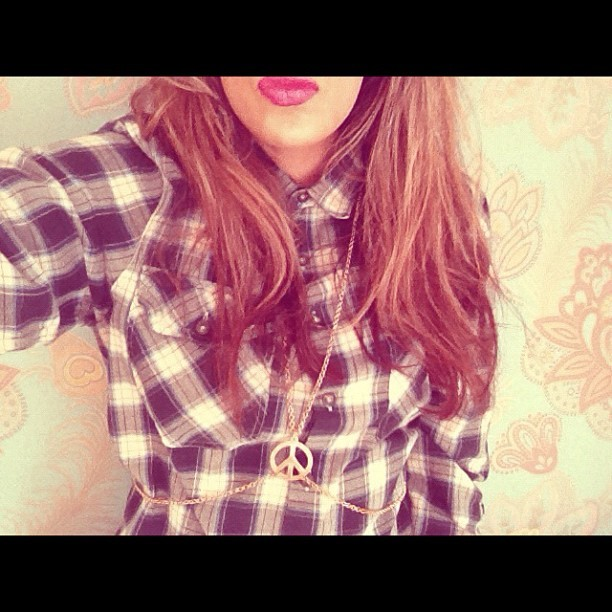 Today's #outfit #boy #shirt #blue and #white #body #neckless #pink #lipstick #fashion #stylist #charlie #fi #photography #happy #monday :)  (Taken with instagram)