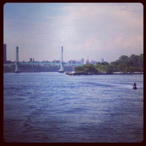 East river view with a Hudson filter - funny in a warped way - miss u NYC (#nyc #missyou #eastriver #hudson #river #bridges ) (Taken with instagram)