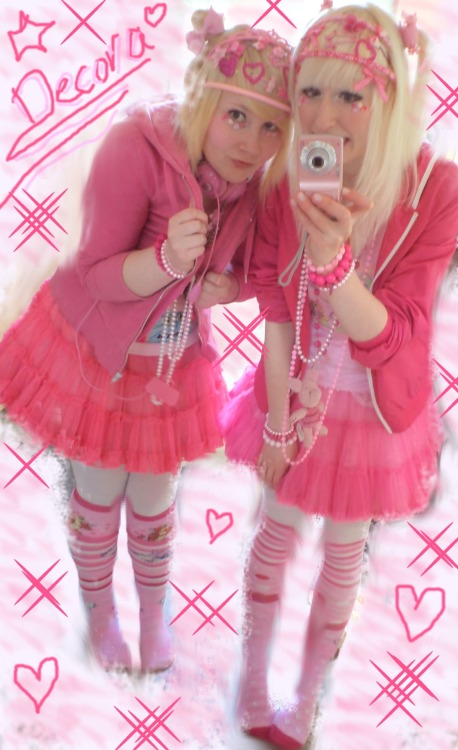 nanachocolatezombie:  My best friend and me wearing Pinku-Decora >o< ♥