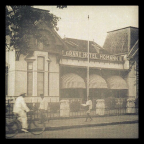 Hotel Savoy Homan 1920 #past #bandung #Indonesia #hotel #street #story #symbol #legend (Taken with instagram)