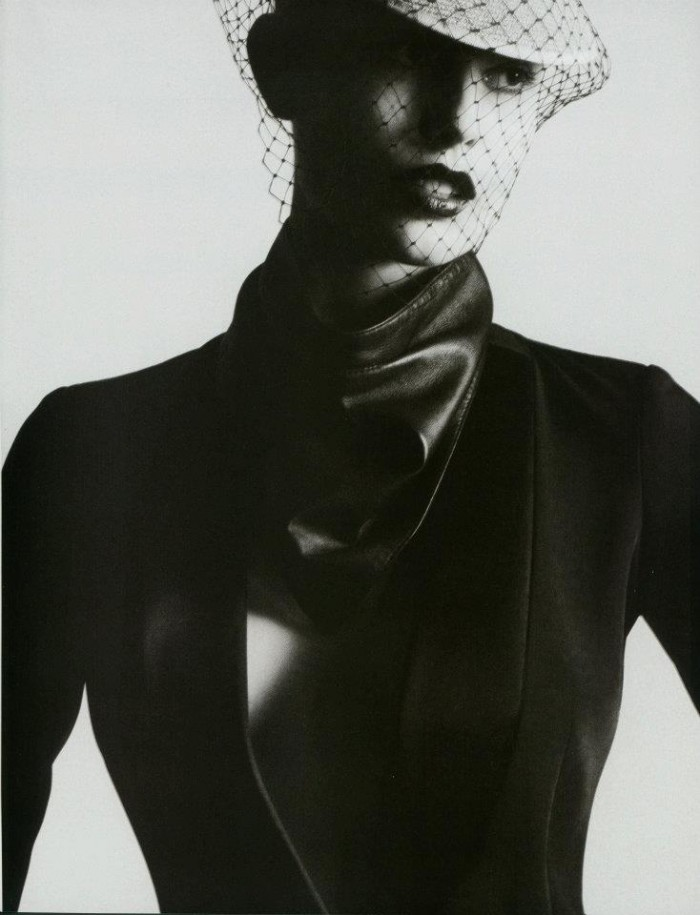 audacis:  Nadja Bender for Vogue Paris, shot by David Sims & styled by Carine Roitfeld.