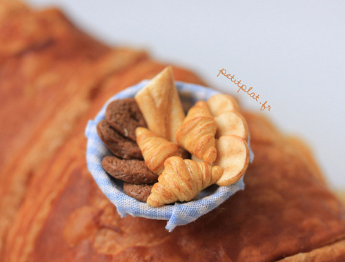 Miniature Dollhouse Food - Breakfast Basket by PetitPlat - Stephanie Kilgast on Flickr.