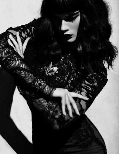rollthedrumss:  Crystal Renn shot by Camilla Akrans ROLL IT! | FB
