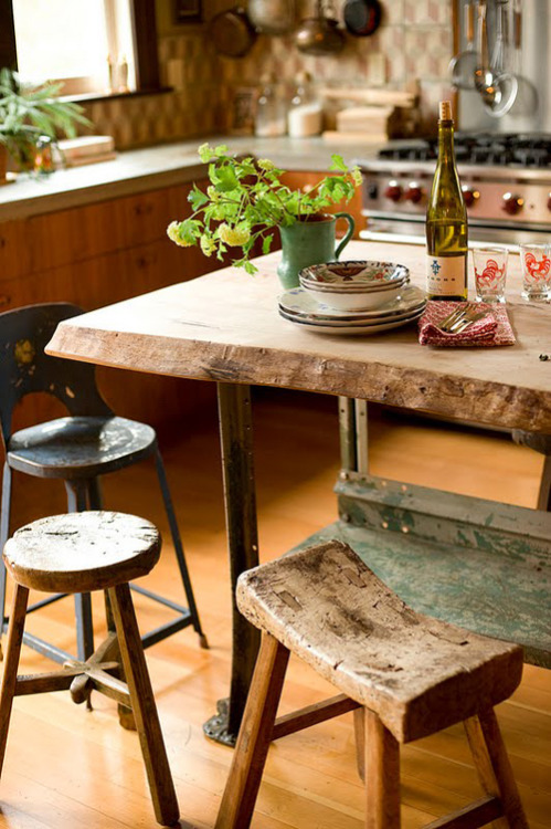 Rustic kitchen table and stools (via Kika Reichert | inspirations | Page 2)