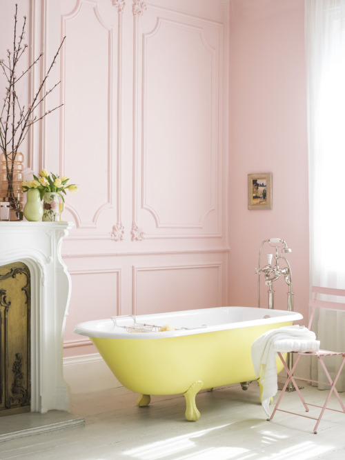 highestheels:  Literally the cutest bathroom I've ever seen.