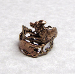heathenwarrior:  Fox and rabbit ring by ranaway  Oh just two of my favourite animals rolled into one ring, awesome.