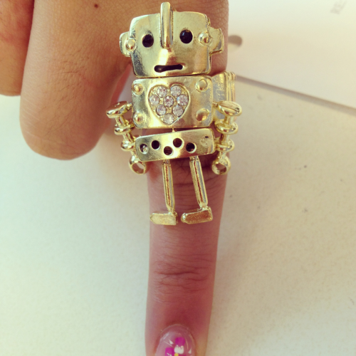 Finger game. #rings #jewelry #accessories #robots #girlie