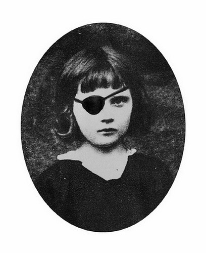 This girl could be me as a child. in-circles:  Marcelle (by Colette Saint Yves)