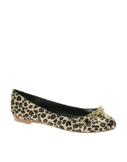 Lipsy Pixie Leopard Flat ShoesMore photos & another fashion brands: bit.ly/JgPtuU