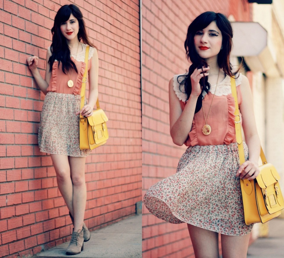 lookbookdotnu:  Whimsical in The City (by Bonnie Barton)