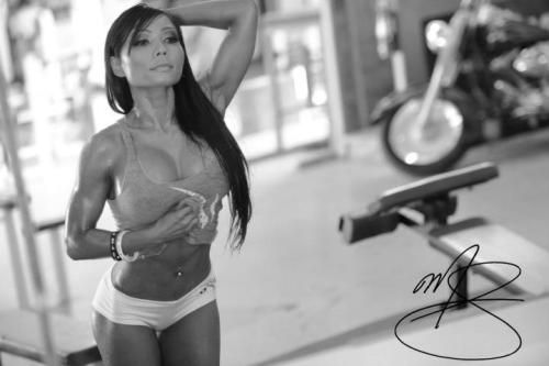To be mirin yourself.  Did I mention this woman is 40+ years old? Yeah.. catch up ;] Khan T Nguyen