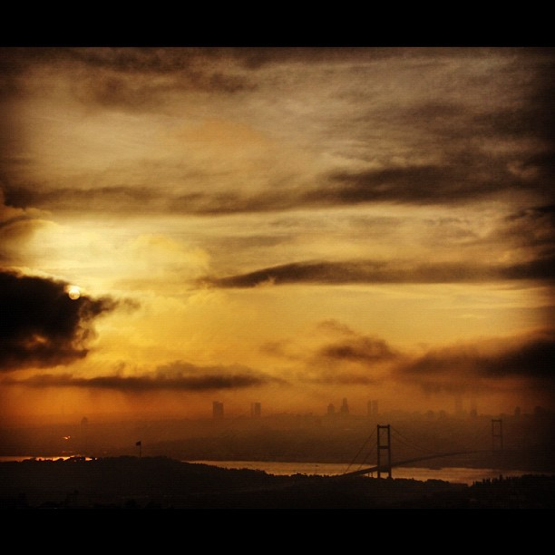 #Istanbul #Sunset & #Face of #Clouds   (Taken with instagram)