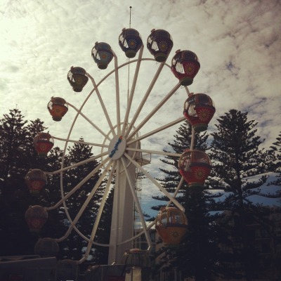 The ferris wheel in Glenelg was closed but so pretty!