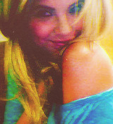 everlarksheart:     9 Photos of Ashley Benson Being Cute