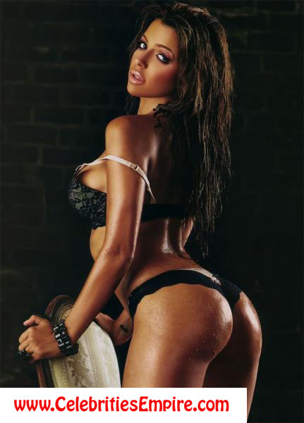 Vida Guerra exposing big ass in magazinefree nude picturesLink to photo & video: bit.ly/JhJB4D
