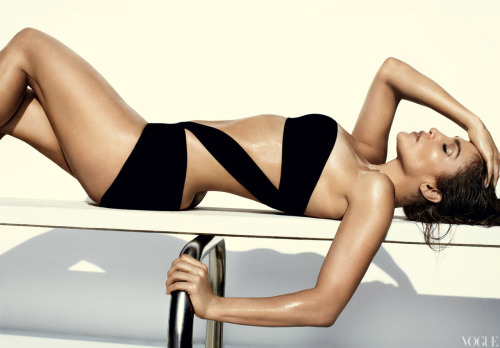 Jennifer Lopez Photographed by Mario Testino for the June Issue of Vogue  <3'