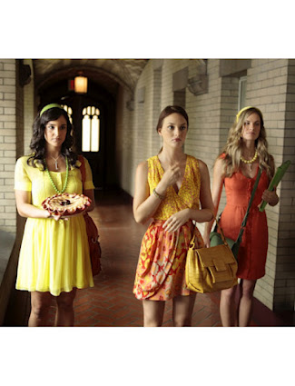 Gossip Girl Fashion: Blair Waldorf citrus-y look: Nanette Lepore Lady Gambler Printed Dress Nancy Gonzalez Square Flap Croc Satchel  Tiffany & Co Fleur de Lis Key Pendant Mathew Campbell Laurenza Bracelet