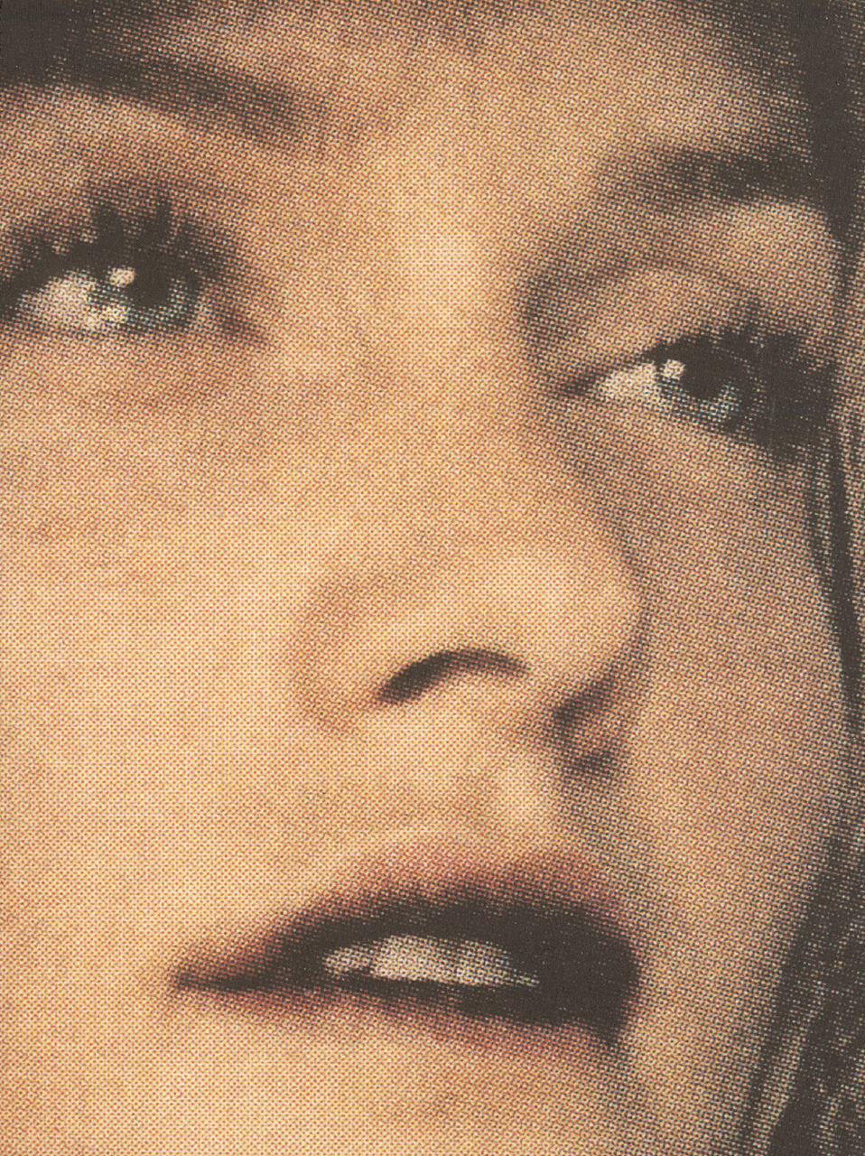 A Closer Look: Amber Valletta (2000)photography craig mcdean Yohji Yamamoto «Rewind/Forward», 238 Fashion Pictures, 1995–2000