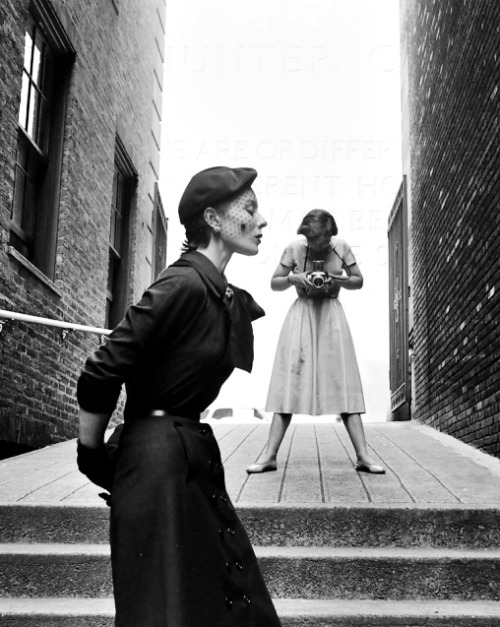 Bettina Graziani being photographed by Frances McLaughlin for Vogue, 1950 (Photo: Gordon Parks)