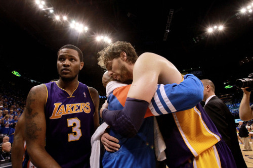 "Pau: ""I miss your body"" Derek: ""Aaaaand the hug's over"" Devin Ebanks knows what's up."