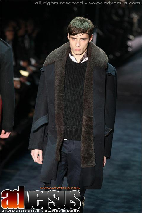 Gucci fall-winter 2012. Here is a very east coast look by Gucci I like quite a lot. I've heard mixed things on layers. Some say they're great, others not so much. I personally love the look of a well layered outfit. And come winter time, especially in places where it actually gets cold, you will be thankful for every last one of them when that biting chill kicks in. And for those not yet on the Gucci budget, some easy ways to build this look.  Men's pea coat - $75-155 Men's sweater vest - $55 White button down - $125 Slim fit flat front slacks - 100$ Oxford shoe - $110 Now for those of you looking to go above and beyond These would also look quite good with such an outfit.