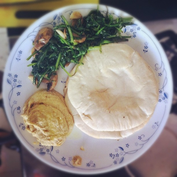 Homemade Med. #mushroom #spinach #homemade #yum #food #pita #hummus (Taken with instagram)