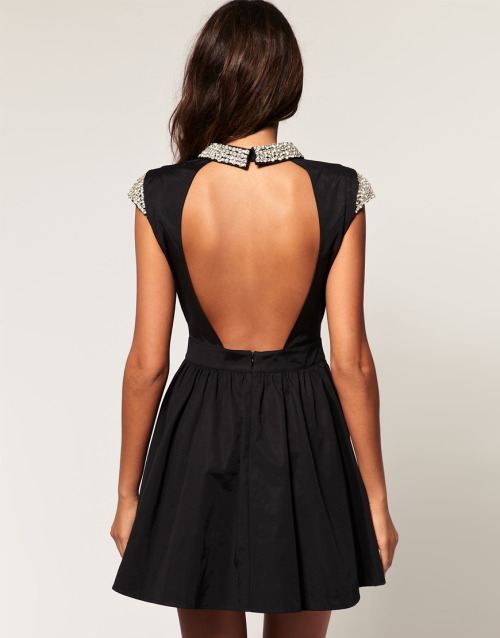 sinolia:  I want it so badly…. Robe Patineuse, from Asos.