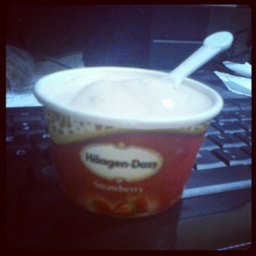 My fav #icecream, #häagen-dazs #strawberry #haagendazs (Taken with instagram)