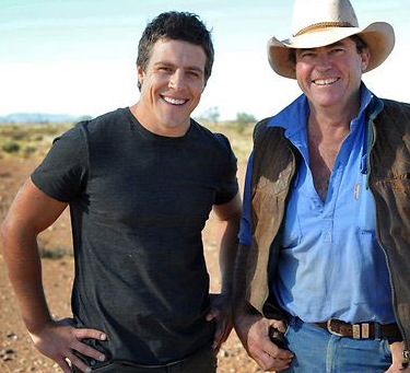 HOME & AWAY RIVER BOYS PIC OF THE DAY  As promised, here is today's daily dosage of River Boy eye candy in the form of Mr Steve Peacocke!  Check out this shot of the Summer Bay hottie on set in the South Australian outback for some exciting, new storylines which will air later in the year!   Image Source: Yahoo!7