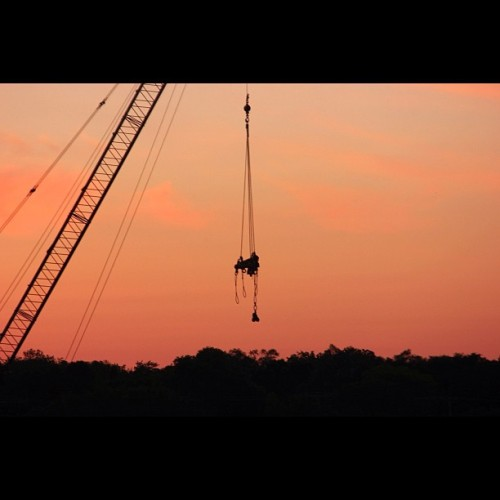 Crane working on Henry Bridge. All of these are no filter btw… #instagram#iphoneography#iphonesia#photooftheday#instagood#jj#ig#igers#lovephoto#iphonography#wisconsin#beloit#nofilter #rockriver #riverside #silhoutte  (Taken with instagram)