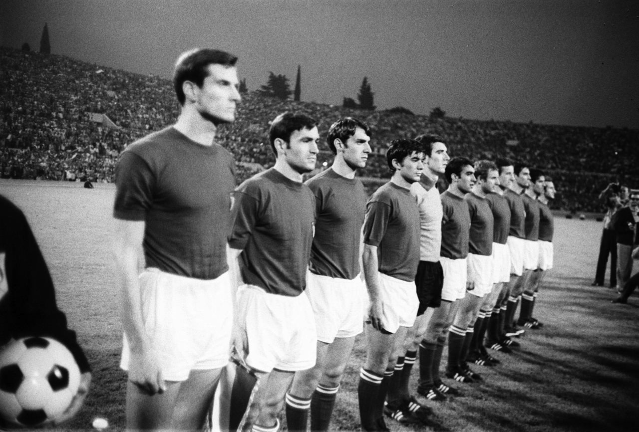 Gli Azzurri, lining up to face Yugoslavia in the final of Euro 1968.