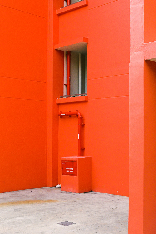 marckremers:  Orange Alleyway